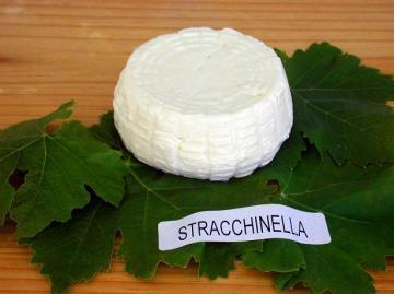 stracchinella, crescenza formaggio tenero di latte di vacca
